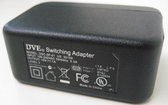 DVE DSC-5P-01 US 50100 AC ADAPTER 5VDC 1A Used USB Connector Wal