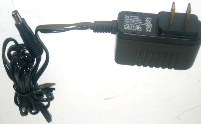 DICTAPHONE 501601 AC ADAPTER 12VDC 700mA POWER SUPPLY FW7230/12